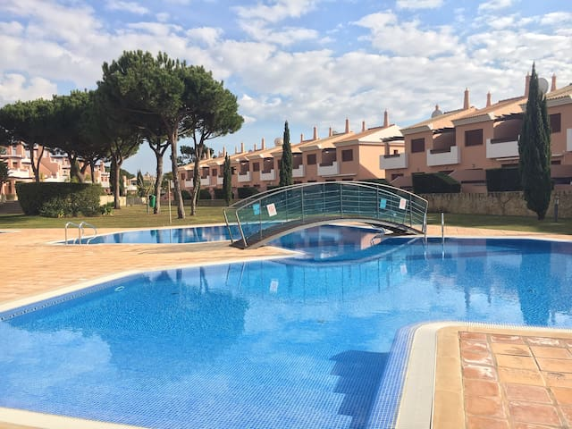 Three bed townhouse with pool  in Vila Sol