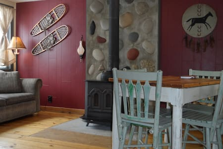 Authentic 1-Bedroom Cabin Retreat in Clark - Clark