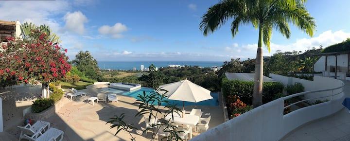 Casa Blanca Hermosa Vista y Tranquilidad