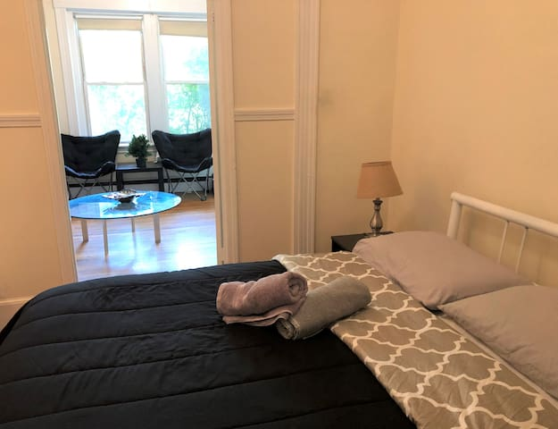 Clean and Comfortable Room in Fabulous Location