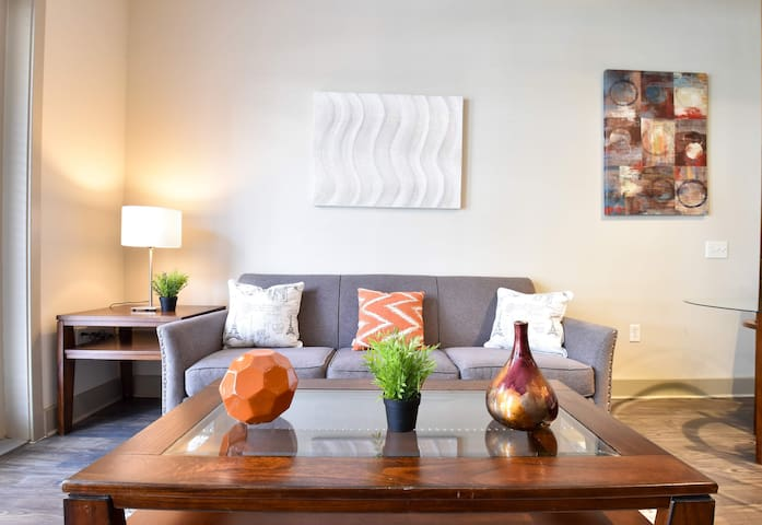 Arts Central 2br + Balcony   By Dining + Shopping