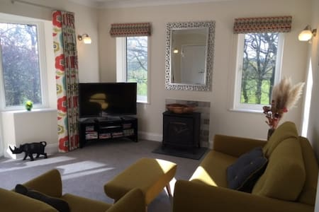 Ground Floor Self Catering Apt.....Malvern - Malvern - Apartment
