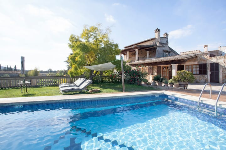 COUNTRY HOUSE APARTMENT WITH POOL