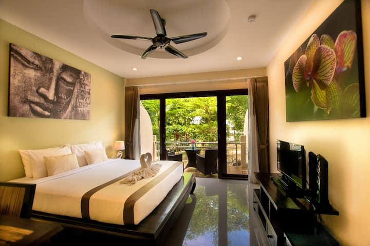 Garden View Apartment in Resort