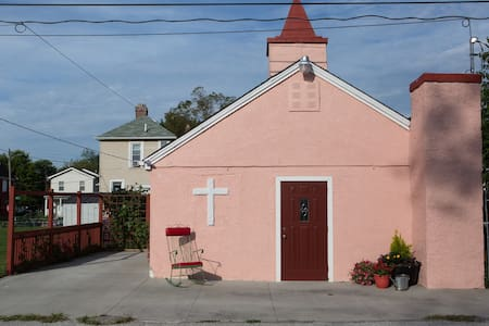 The little church on the alley - Columbus
