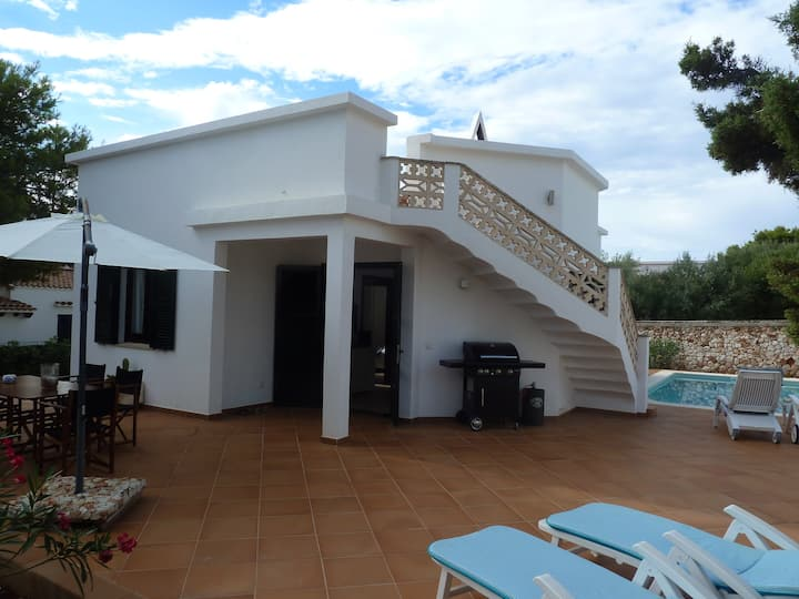 Beautiful Holiday Home Villa Gaya with Pool