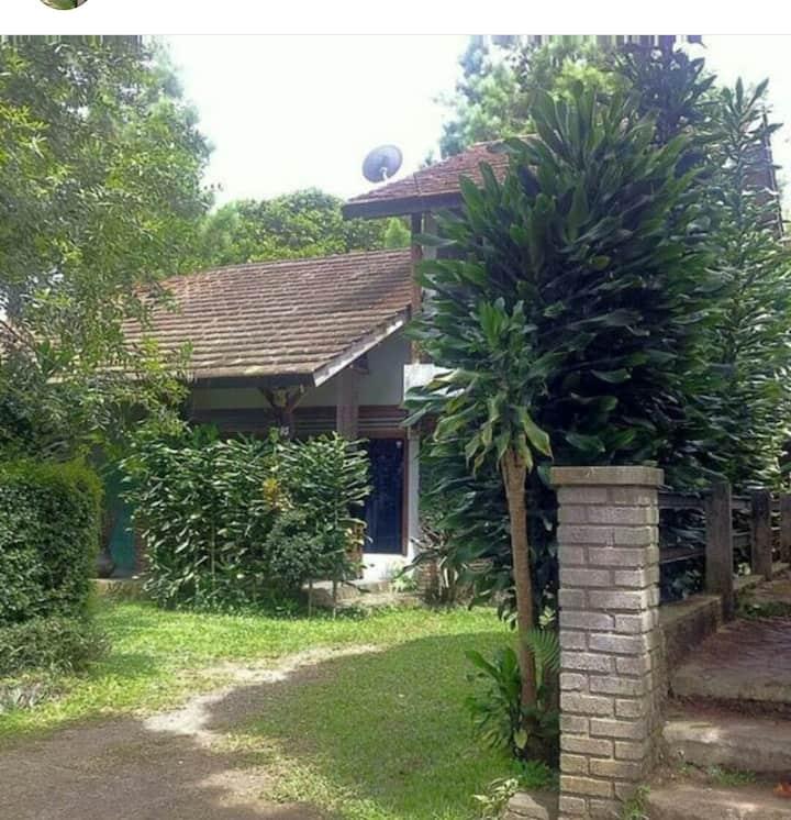 Villa di maribaya dekat the lodge