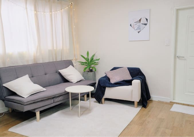 Entire 2 bedroom home in the heart of Busan