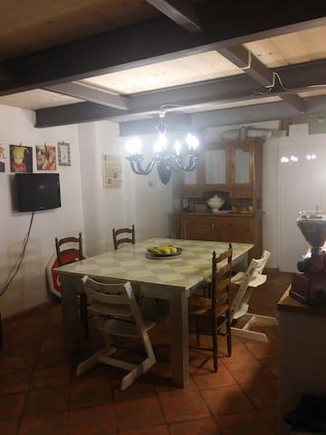 Una casa particolare - Camaioni - House