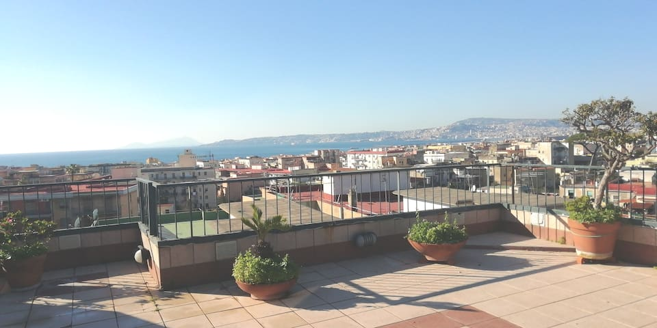 B&B  Intero  Appartamento panoramico GIRASOLEARUNA