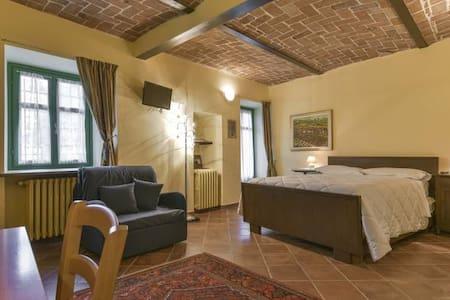 Casa Bula 1 - La Morra - อพาร์ทเมนท์