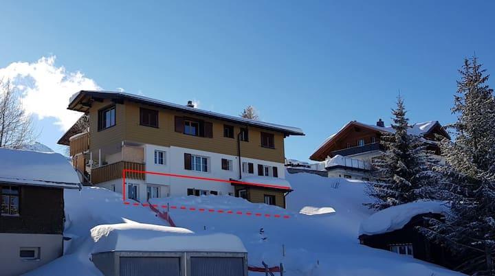 Bergfrieden in Tannenboden, Alpinastrasse