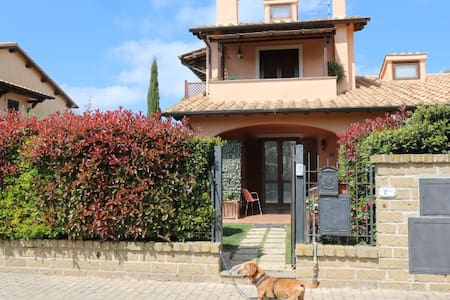 Casetta Vacanze 5 km dal mare - Borgo Carige - Ferienunterkunft