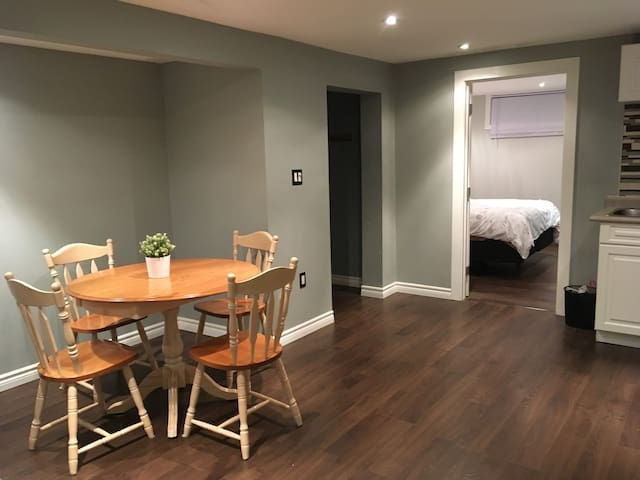 1 bedroom apartment centrally located in Whitby