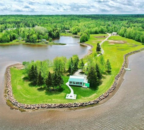 360° WATERFRONT Private Property