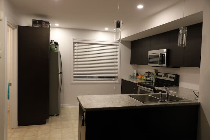 Luxury Home in Orleans 12 minutes from Downtown