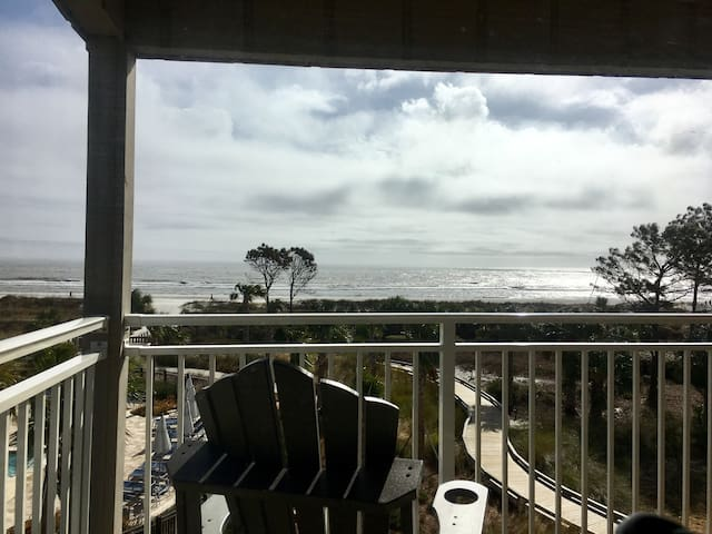 270 degree of direct Oceanfront view