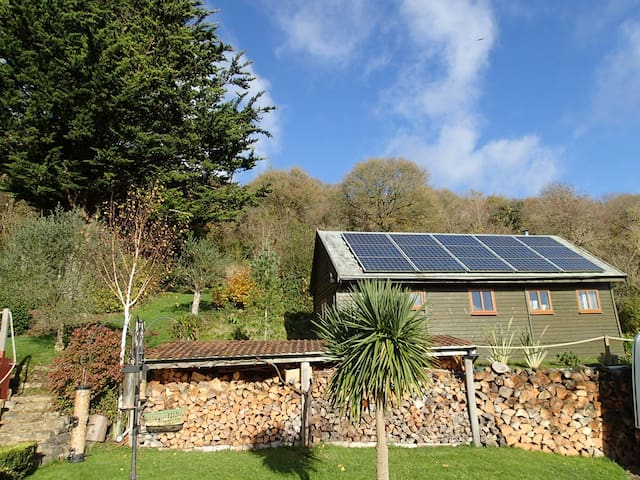 Rose Lodge, converted mobile home. Eco lodge set in owners grounds
