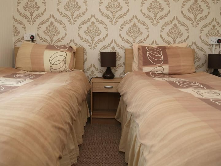 Edenmore Guest House - Room 4