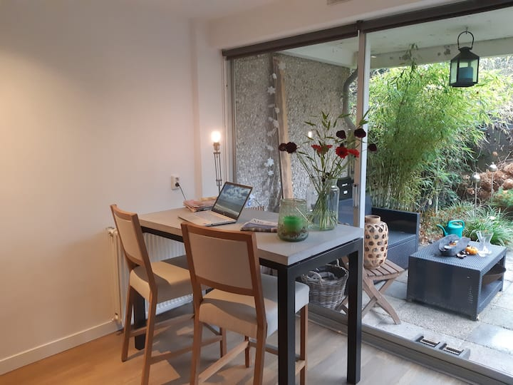 Moderne tuinkamer (privé) met terras in Leusden