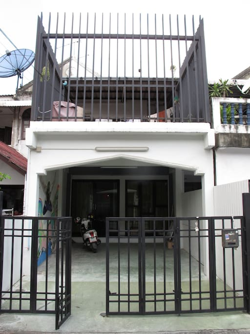 2 story house in a lovely quiet Thai Neighborhood
