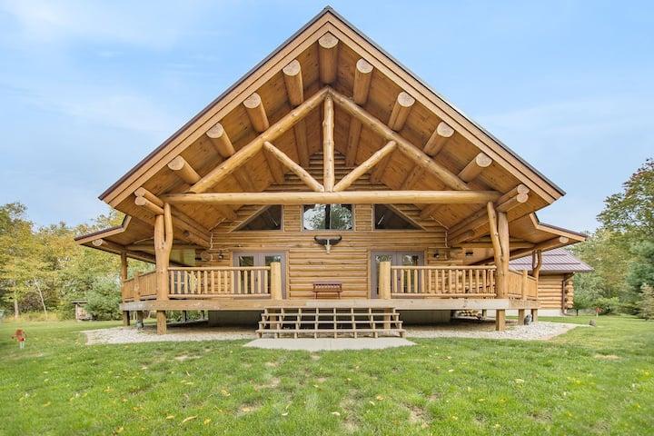 NEW-Log Cabin Retreat in Pentwater-Lazy Bear Lodge