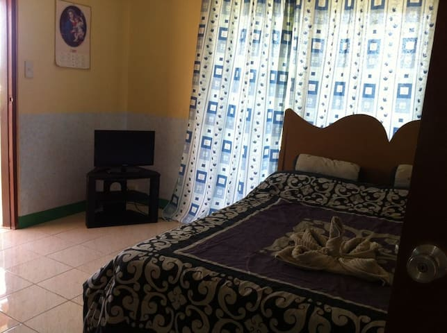 Airconditioned Room with Ocean View - Malay - Casa
