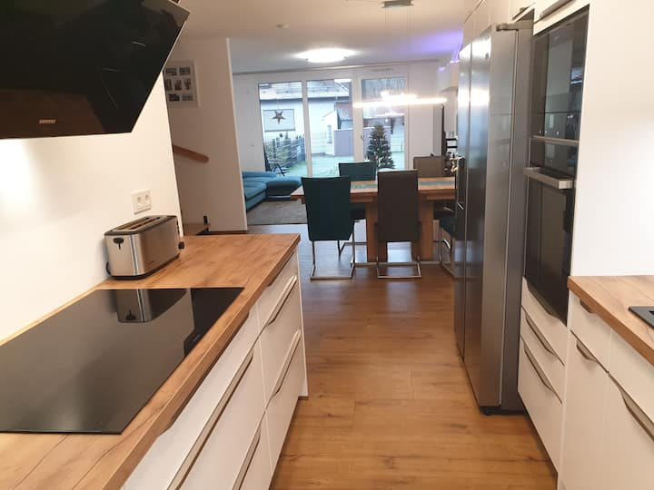 Luxury town house 25 min Messe / 20 min NUE by car
