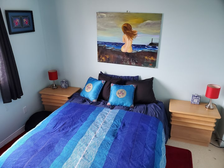 Cozy bedroom + private office and bthrm & parking