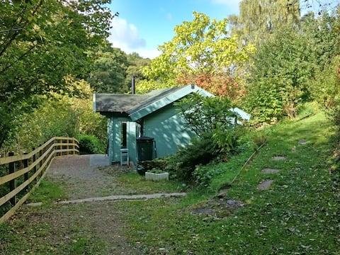 Mill Bridge Cabin, cosy,idyllic secluded retreat