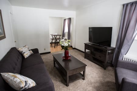 Close to everything & comfortable - Fairbanks - Apartment