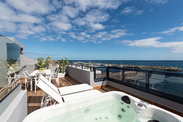 Pier 31.Taliarte Penthouse with Jacuzzi