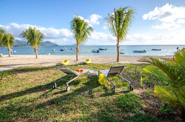 L'Escale Beachfront Duplex 1 Bed - La Preneuse - Daire
