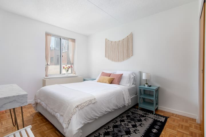 Beautiful 2 BR apt, UWS