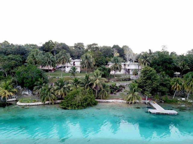 Quinta Bacalar Las Brisas, frente a la Laguna