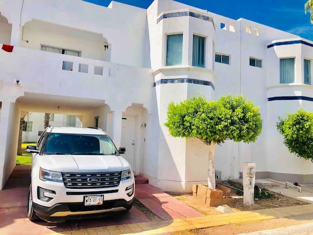 Mi humilde condominio en La Playa