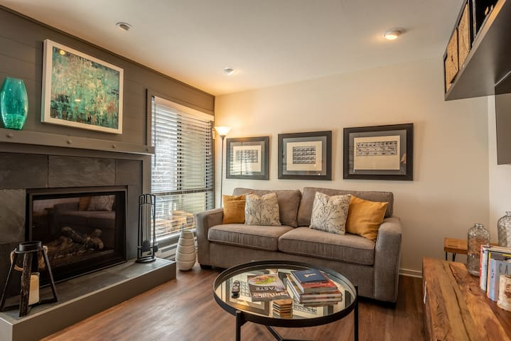 Newly Renovated in Prime Location with Sun Valley Amenities   | Studio, 1 Bathroom