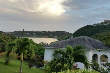 Grenada Holiday Apartments - Calivigny,