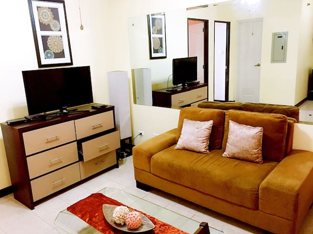 COMFORTABLE 2BR IN THE CITY CENTER - Davao City - Appartement