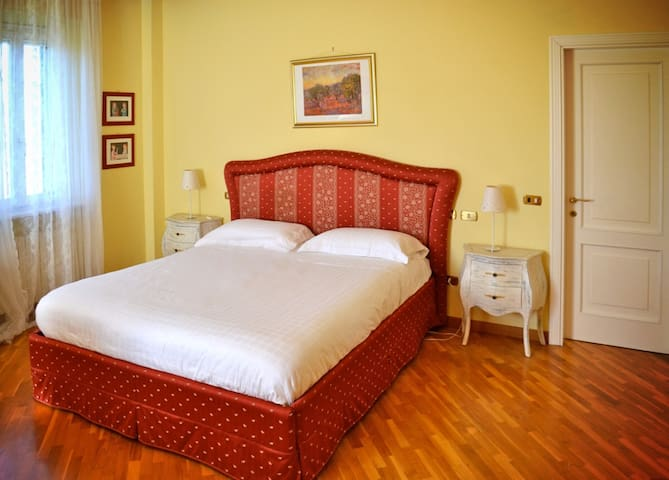 Ca'ssoletta 56, camera vista campagna - Crespellano - Bed & Breakfast