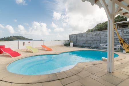 Villa neuve avec piscine privative - Sainte-Anne