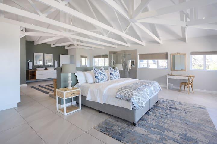 Main Bedroom Luxury Suite