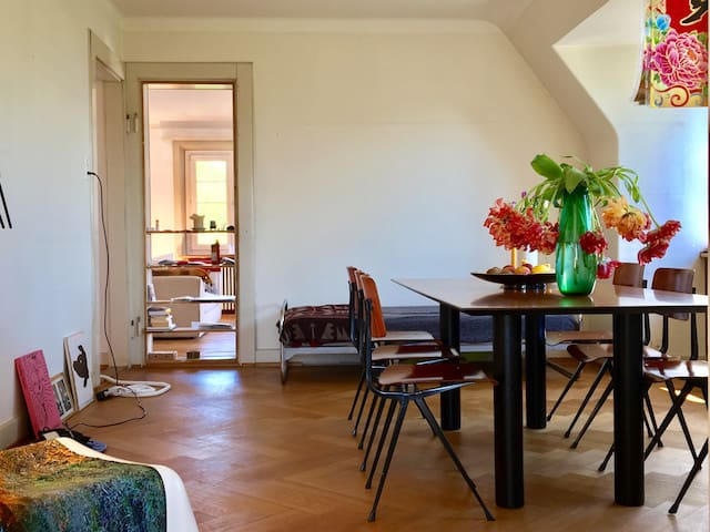 Cozy 4 room apartment with lakeview - Zürich - Wohnung