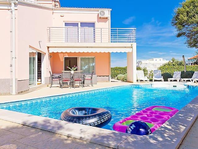 Exclusive beachside Villa Florizel - Banjole - Villa