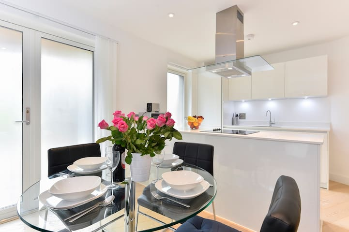 Old Street Apartment 3