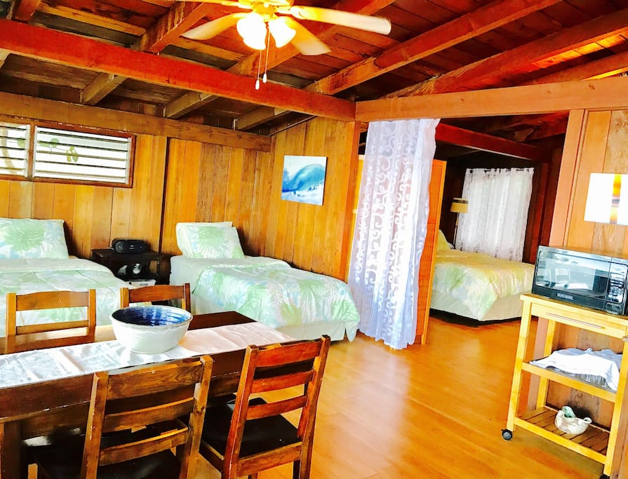 Guests Accommodation @ Pipeline Cottage. Registered under State of Hawaii's Dept. of Taxation. ID #:204-844-8512-01