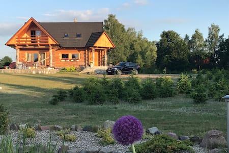 Wooden Lodge  jacuzzi & finn sauna Chata Goralska