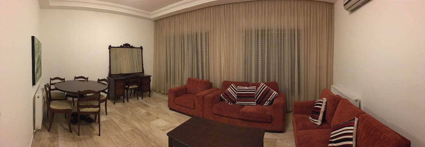 Apartment in fully serviced area.