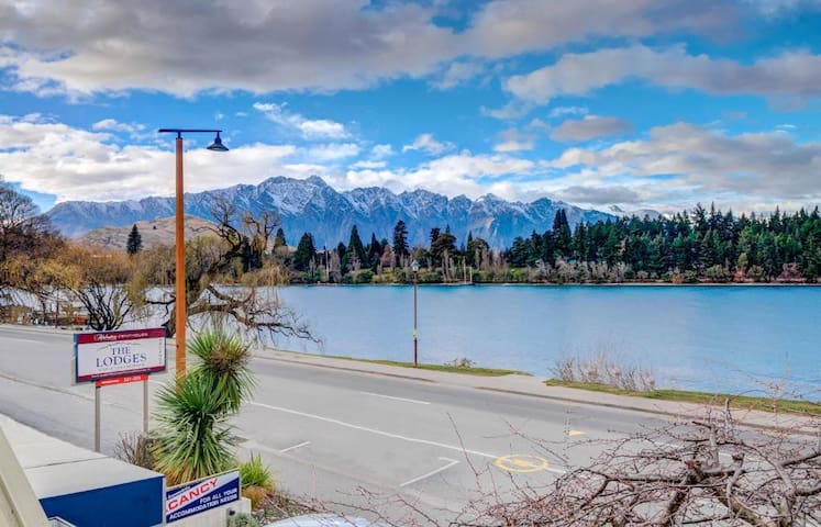 Queenstown Two Bedroom w/kitchen & Lake View(LD)