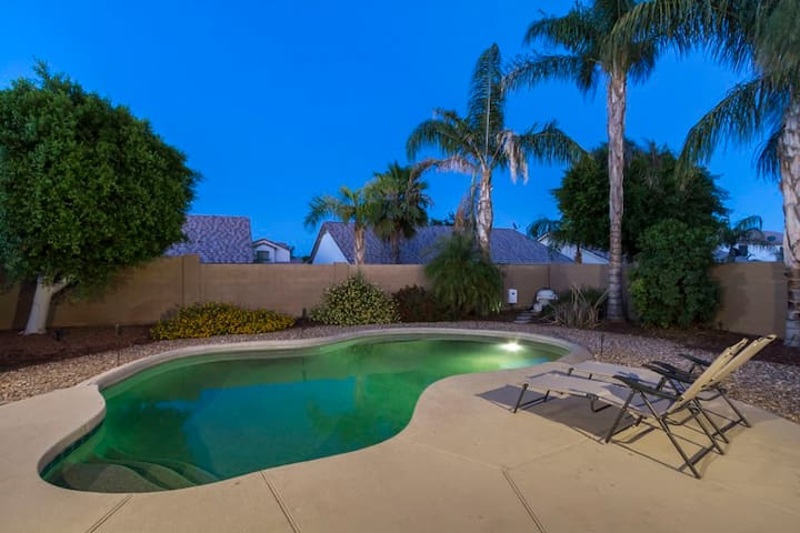 WINTER SPECIAL Western Belle 2 BR Home/ PVT Pool/ Surprise